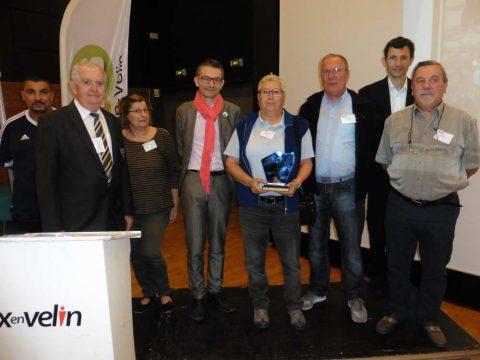 Un prix spécial a été remis en fin de matinée à 'Association sports et loisirs des retraités de Vaulx-en-Velin l'Association Sports Loisirs des Retraités de Vaulx en Velin